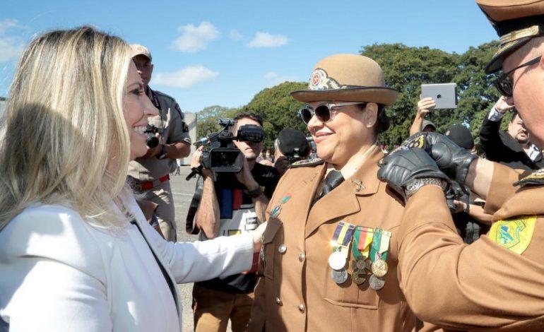 Conheça a 1ª mulher a assumir o Comando Geral da PM do Paraná