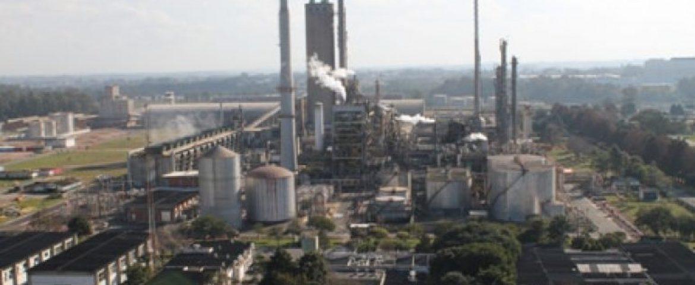 Assembleias de petroleiros aprovam greve em Araucária; data será definida quinta-feira