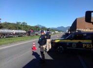 Mobilização dos caminhoneiros entra no segundo dia com 19 pontos de protesto no Paraná