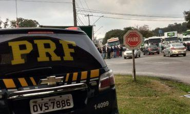 Representante dos caminhoneiros diz que greve acaba à tarde se proposta de zerar PIS/Cofins passar no Senado