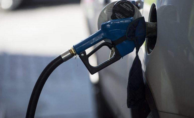Do dia pra noite, Petrobras aumenta preço da gasolina nas refinarias e custará R$ 0,04 a mais