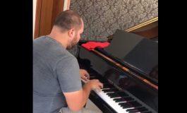 Músico araucariense instala internet, pede para tocar piano, da um show com colegas e viraliza na Internet