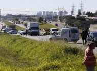 Terceiro dia de greve dos caminhoneiros segue com bloqueios no Paraná