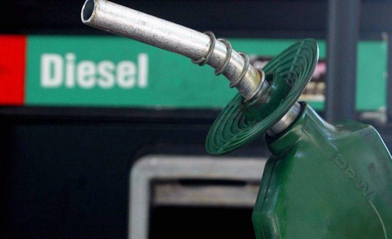 Governo obriga postos a exibirem em 'cartaz' preços do diesel antes e depois da greve