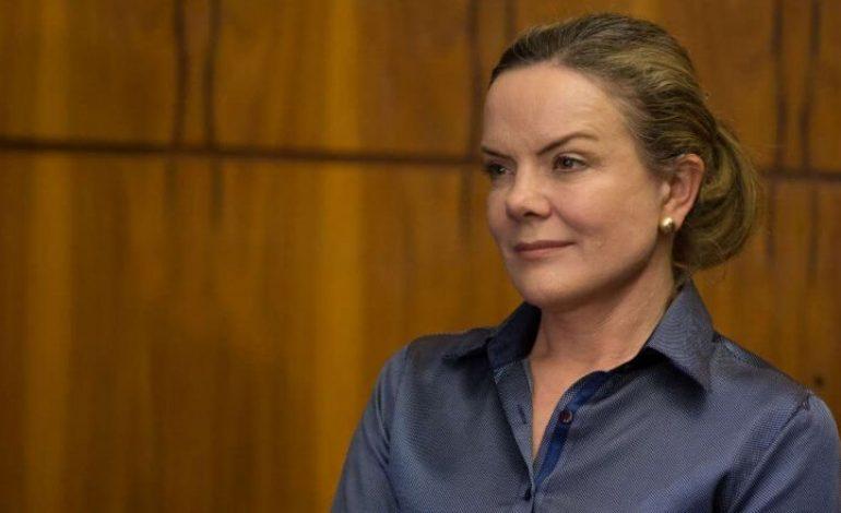 STF absolve Gleisi Hoffmann de corrupção passiva, lavagem de dinheiro e caixa 2