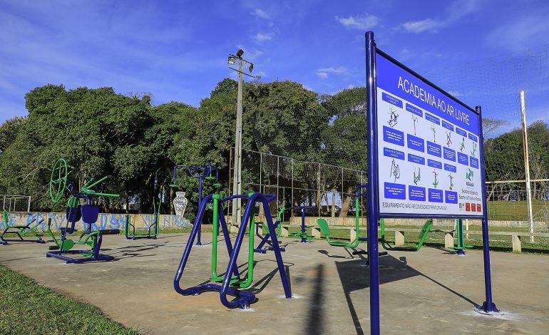 Prefeitura de Araucária instala academias ao ar livre em diversas regiões da cidade