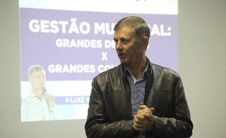 Araucária recebe o prefeito mais bem avaliado do Brasil