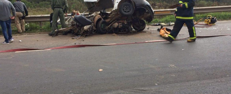 Jovem que dirigia carro que bateu na Rodovia do Xisto morre no hospital; mãe morreu na hora