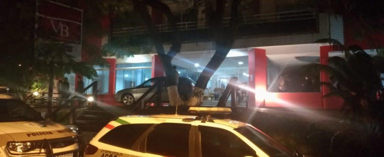 Cinco corpos da mesma família são encontrados em hotel de Florianópolis