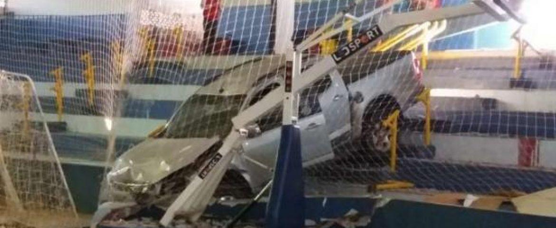 Caminhonete invade ginásio e mata secretário de esportes no interior do Paraná