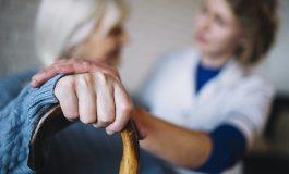 Você tem interesse em curso sobre cuidados com idosos em domicílio?