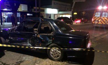 Acidente entre carro e Interbairros deixa motorista gravemente ferido no Xaxim