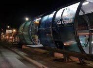 Cobrador de estação-tubo é baleado por ladrão durante assalto em Curitiba