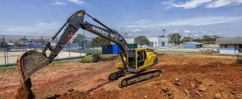 Núcleo esportivo do CSU recebe preparativos para pavimentação