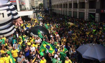 Em nova resposta ao #elenão, manifestantes pró-Bolsonaro tomam a Boca Maldita