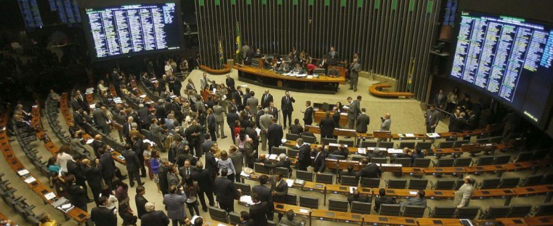 Confira a lista dos deputados federais eleitos no Paraná