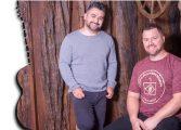 21/10: Teatro da Praça terá show com gravação de DVD de dupla araucariense