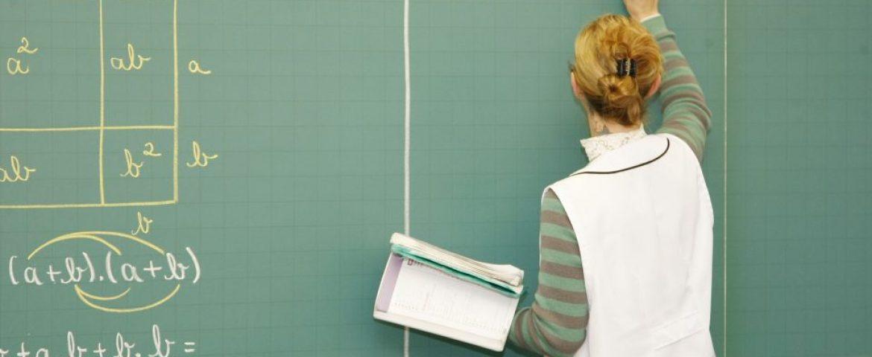 Com aumento de salário, Governo abre inscrições para contratar professores na quinta
