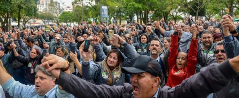Motoristas e cobradores de ônibus aprovam indicativo de greve; paralisação ainda não tem data