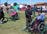 Piquenique no Parque Bacacheri aproxima pessoas com e sem deficiência