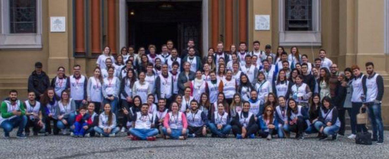 Ação 'Médicos de Rua' ajuda pessoas carentes de Curitiba no domingo