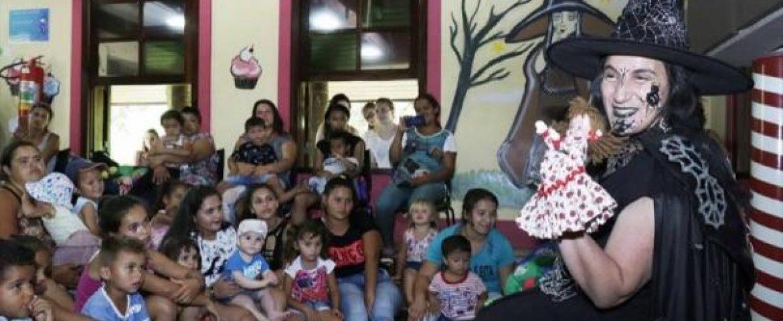 Crianças do Caximba conhecem a Casa Encantada no Bosque Alemão