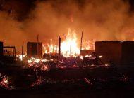 Prefeito anuncia aluguel social para vítimas de incêndio na Vila Corbélia