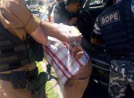 Mulher denuncia prisão de vítima de assalto e liberdade a bandidos
