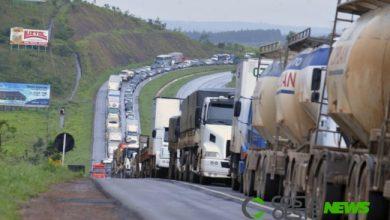 Foto de Nova paralisação dos caminhoneiros está marcada para esta quarta-feira (19)