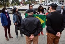 Foto de Movimento negro entrega bandeira nacional no Palácio Iguaçu e repudiam vandalismo em manifestação