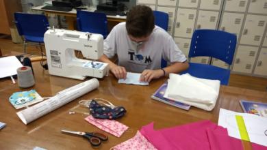 Foto de Estudantes da rede estadual produzem máscaras para doação