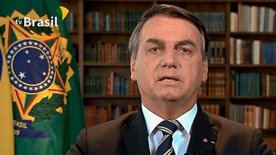 Foto de Bolsonaro destaca compromisso com democracia e Constituição